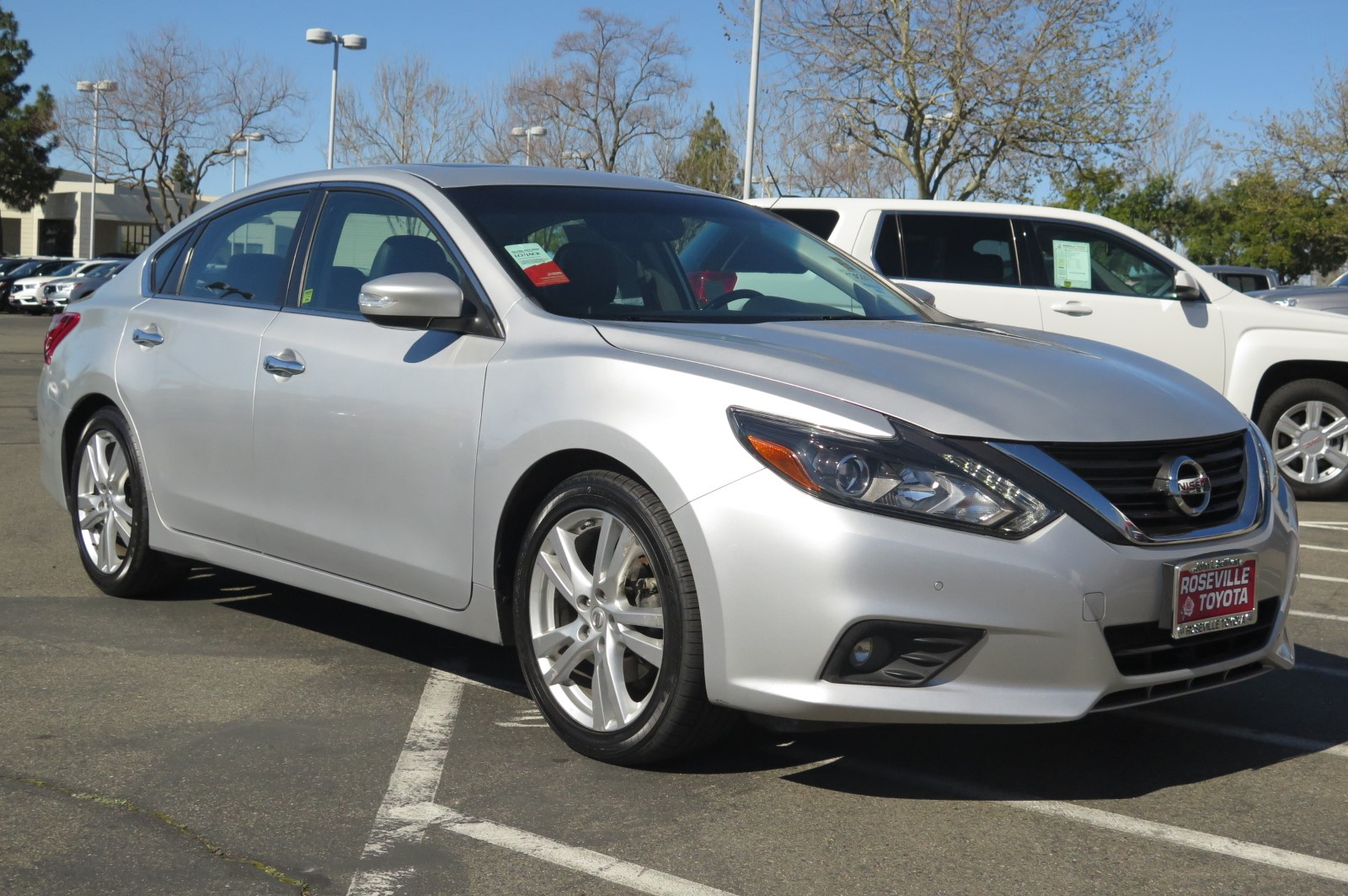 Exceptional Pre Owned 2017 Nissan Altima 3.5 SL