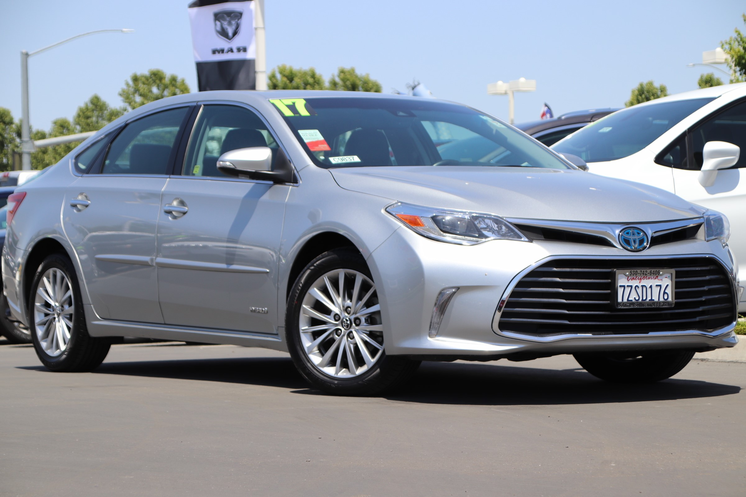 Pre Owned 2017 Toyota Avalon Hybrid Limited